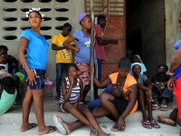 Thousands of Haitians fleeing Dominican Republic stuck in camps